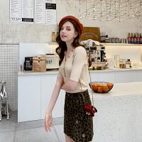 毛菇小象休闲v领针织衫女时尚气质短袖2019新款修身显瘦chic上衣