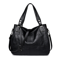 新款时尚中年女包大包单肩斜挎包手大容量软皮妈妈包包