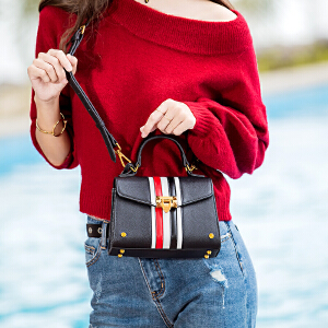 2017冬季新款包包女ins同款斜挎包条纹撞色迷你凯莉包手提单肩包