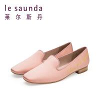 莱尔斯丹 春专柜方头深口低跟彩色鞋国风刺绣女单鞋9M16803