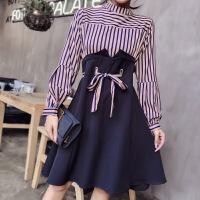 新款连衣裙假两件套显瘦连衣裙条纹灯笼袖拼接系带收腰连衣裙