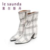 莱尔斯丹 秋冬新款尖头马蹄跟粗高跟短筒靴女靴 82003
