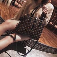 欧美时尚女包2017潮2018新款复古简约百搭单肩斜挎包印花手提包包SN5700 黑色大号