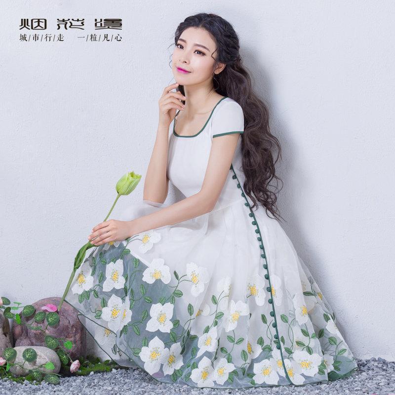 【618狂欢新品直降再享劵】烟花烫 2018原创夏装新款女装气质修身时尚新款绣花连衣裙 梧桐雨
