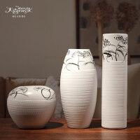 时尚现代简约花瓶摆件创意白色陶瓷花瓶摆件三件套现代简约时尚家居装饰品客厅台面摆设