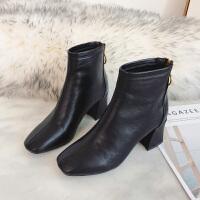 靴子女短筒秋冬2018新款马丁靴女中跟方头网红英伦风百搭粗跟短靴