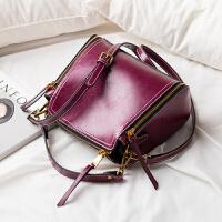 小包包女2018新款百搭油蜡牛皮水桶包女手提包单肩斜跨女包潮SN5654 紫红色