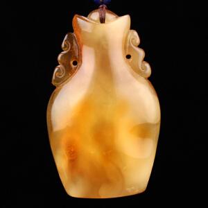 蜜蜡金包蜜精雕花瓶吊坠 重9.96g(含链)