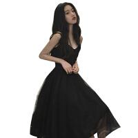 蕾丝吊带拼接纯色百搭时尚小心机设计感连衣裙仙女复古chic小黑裙 黑色