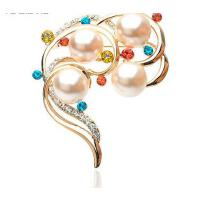 胸针 配饰 饰品 水钻珍珠胸针 水晶胸针 韩国饰品 别针 时尚胸花Y076