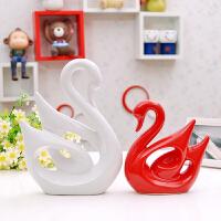 家居饰品结婚礼物陶瓷工艺品客厅装饰摆件红白天鹅家饰摆设