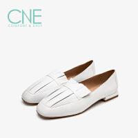 CNE春夏款小白鞋女方头深口平底乐福鞋小白鞋女单鞋9T16104