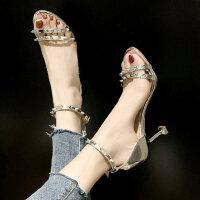 户外铆钉高跟一字带仙女风女士凉鞋时尚百搭配裙子的女鞋