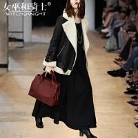 女巫2017冬季新款欧美羊羔毛短款皮毛一体外套女洋气套装裙两件套