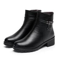 冬季保暖妈妈棉鞋加绒中老年女短靴特大号码粗跟棉皮鞋防滑雪地靴