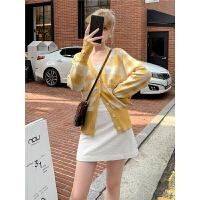 毛菇小象针织衫秋季新款女2019韩版格子时尚开衫外套修身休闲上衣