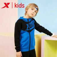 特步童装男童运动休闲外套上衣儿童连帽外套681125069065