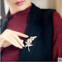 胸针女 配饰 饰品 胸花别针韩国复古披肩扣韩版百搭珍珠配饰时尚配件饰品