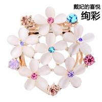 韩版时尚胸针饰品女 花朵胸花贝珠丝巾扣潮