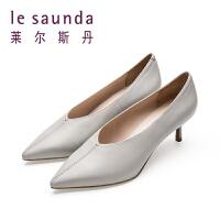 莱尔斯丹 春新款时尚尖头细跟高跟女单鞋奶奶鞋 9M52401
