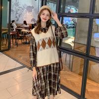 毛菇小象秋季套装女2019新外搭针织马甲气质复古格子连衣裙两件套