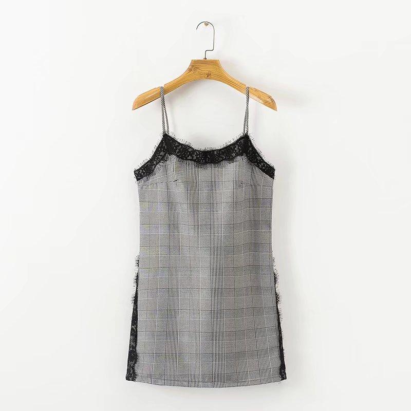 女装秋冬新款欧美风吊带拼接蕾丝格子连衣裙外搭修身裙 一般在付款后3-90天左右发货,具体发货时间请以与客服协商的时间为准