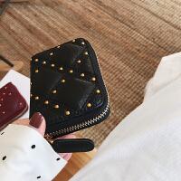 真皮女士钱包短款2018新款简约个性菱格铆钉零钱包钱夹女 黑色 预售定制先拍先发