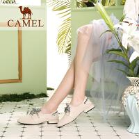 骆驼女鞋2019新款春季小跟鞋女粗跟休闲鞋英伦复古格子真皮单鞋女