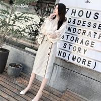 2018春装新款韩版女装省心搭配上衣配裙子两件套时髦小香风套装潮 米白色