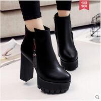 厚底加绒短靴女冬季新款粗跟防水台高跟鞋百搭马丁靴英伦裸靴