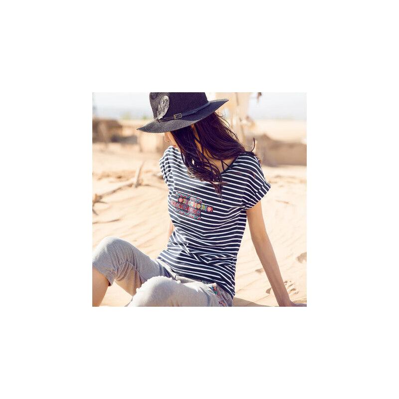 裂帛2018夏装新款贴布刺绣圆领针织短袖衫直筒条纹T恤女51160098