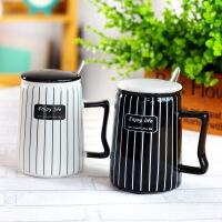 包邮 简约黑白条纹陶瓷杯 带盖 带勺创意马克杯 咖啡杯 水杯牛奶杯