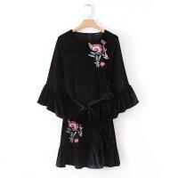 女装 春秋欧美风新款复古刺绣花朵喇叭袖天鹅绒连衣裙打底裙