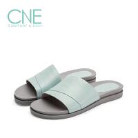 CNE2019年春夏款拖鞋女纯色一字带柔软羊皮平底女拖鞋9M13803