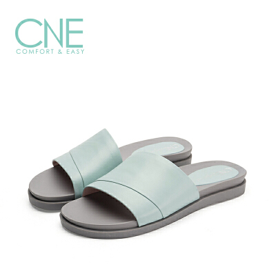 CNE2019年春夏款拖鞋女纯色一字带柔软羊皮平底女拖鞋9M13803 一字带柔软羊皮平底女拖鞋