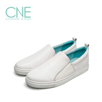 CNE2019春夏款小白鞋女圆头舒适平底休闲鞋乐福鞋女单鞋9T22550