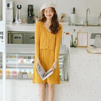 套装 女士网红V领拼接长袖针织套装2020年秋季新款韩版时尚女式洋气潮流女装开衫毛衣+半身裙两件套
