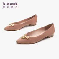 莱尔斯丹 女鞋时尚优雅尖头套脚浅口低跟粗跟金属珠花饰扣女单鞋LS AT17217