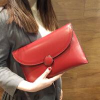 手包女韩版女士手拿包圆扣简约信封小包单肩斜跨包女包潮
