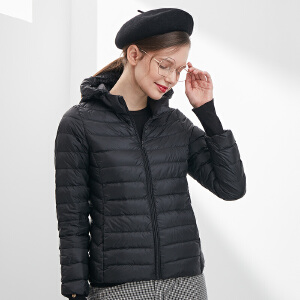 坦博尔韩版潮流轻薄羽绒服女士短款连帽长袖修身纯色羽绒外套
