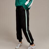 【3折到手价:81元】爱客2018新款黑色ins休闲裤束脚条纹运动裤女学生显瘦YB1838K003
