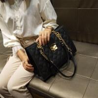 大包包2018秋新款女包欧美时尚菱格链条包潮锁扣单肩包百搭手提包 黑色 收藏后优先发货