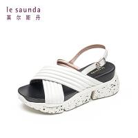 【顺丰包邮,大牌价:299】莱尔斯丹 夏新款厚底交叉带运动女坡跟凉鞋ins潮AM70005
