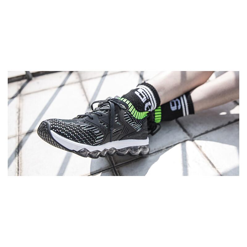 【1件5折 2件4折再享券】特步女鞋跑步鞋2019夏季新款网面透气运动鞋女正品白气垫休闲鞋子982118119528