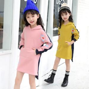 【满200-100】百槿 冬季女童连帽卡通印花卫衣