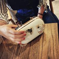 包包2018款黑白拼色斜挎包时尚昆虫迷你手拿包女气质链条晚宴包