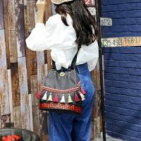 民族风迷你双肩女包休闲时尚小背包秋季款百搭流苏刺绣双肩包女